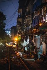 Toilette Nocturne (Sb's Place) Tags: flickrcomsebmar asie hanoi heurebleue laverse photodenuit rail travel urbain urban vietnam voyage voyagefamilial voyages sbmar hano hni