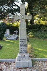 Grave of Poet Alfred Noyes (C*Fletcher) Tags: isleofwight totland graveyard poet deadpoet highwyman alfrednoyes stsaviourromancatholicchurchyard