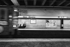 pas boug ! (krystinemoessner) Tags: sw nb bw bn metro rome italie monochrome personne streetphoto streetpassionaward streetportrait street fil krystine moessner taek flickrunitedaward reflectyourworld