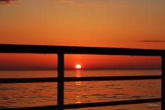 Sonnenuntergang auf hoher See (IHolzi) Tags: norwegen norway norge nordatlantik sonnenuntergang sunset mittsommer nordmeer meer ozean