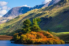 Catching the light. (bainebiker) Tags: cregennenlakes caderidres mountain trees snowdonianationalpark landscape canonef100400mmf4556lis arthog gwyned walesuk canonef100400mmf4556lisiiusm