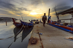 the Life of A Fisherman (<Pirate>) Tags: fisherman dove jetty sunrise jelutong lee gnd hard6 1018 is stm nature wooden boat november 22nd 2016 wonderful penang landscape seascape sea tide morning rush