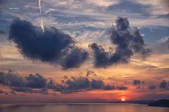 (419/16) Y un momento después ... (Pablo Arias) Tags: pabloarias photoshop nxd cielo nubes españa atardecer ocaso mar agua mediterráneo benidorm alicante comunidadvalenciana