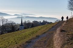 Guggisberg (o_schopfer) Tags: horizon montagnes architecture clocher contrejour chemin backlight mountains path riffenmatt bern suisse ch