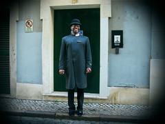un hombre feliz - a happy man (MO3PA) Tags: man portugal lisboa lisbon unknown hombre
