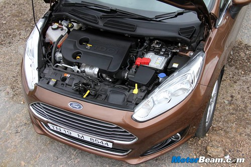 2014-Ford-Fiesta-14