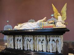 Tombeau (1384-1410) de Philippe le Hardi  - Muse des Beaux-Arts de Dijon (21) (Yvette Gauthier) Tags: dijon jean 21 muse des le claus philippe tombeau beauxarts werwe ctedor pleurant hardi sluter marville artgothique chartreusedechampmol