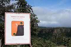 chapada dos guimares (mt) (Car) Tags: brazil brasil cerrado matogrosso chapada guimares chapadadosguimares centrooeste vudenoiva parquenacionaldachapadadosguimares mirantedovudenoiva