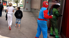 usbyus-spiderman-money-2-count-DSC07934 (U.S.by us) Tags: street people usa money photography us losangeles los unitedstates angeles spiderman hollywood performers usbyus