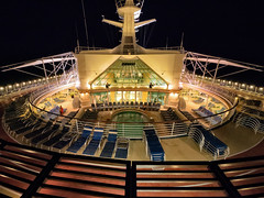 205/365 Solarium sans sol (Nigel Andrews) Tags: cruise panasonic swimmingpool solarium cruiseship 365 adventureoftheseas project365 365project panasoniclumixgx7