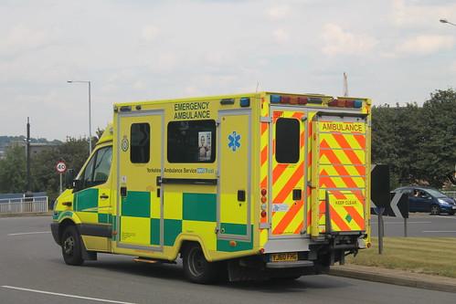 Yorkshire Ambulance Service Mercedes Sprinter YJ60…
