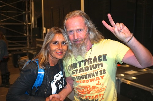 Meeting Dan Magnusson drummer with Seasick Steve at Victorious Festival, Portsmouth
