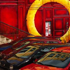 Lyon - Pentes de la Croix Rousse - Le nombril du monde (chanutdominique) Tags: city urban france europe lyon rhne reflet 69 reflexions reflexion reflets rhonealpes rhnealpes