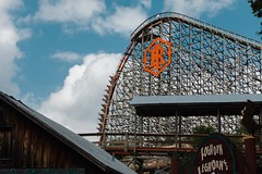 steep pitch on the iron rattler, labor day weekend 2014 (glg61) Tags: sanantonio canon sixflags laborday fiestatexas lightroom 70d 18135mm ironrattler replichrome