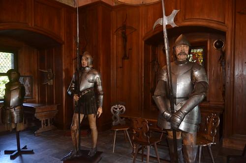 Le château du Haut-Koenigsbourg.La salle d'armes.2