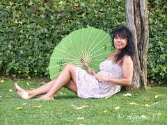 Ester (Agustin 68) Tags: summer verde women jardin modelo sensual verano fotografia vacaciones sesion posado reportaje sugerene