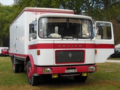 SAVIEM SM 12 Fourgon isotherme (xavnco2) Tags: old france truck french centre lorry camion trucks chateau parc locomotion ancien frres lkw richelieu 2014 autocarro fourgon indreetloire cazaux carrosserie saviem isotherme sm12