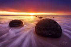 Moeraki Boulders - New Zealand (burgerga) Tags: new newzealand boulders zealand moerakiboulders moeraki tarik alturki صخور 500px طارق التركي نيوزيلندا ifttt tarikalturki موراكي