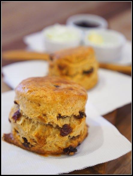 台北早午餐推薦 ▎frog cafe 蛙灶咖 @ 迪化街。永樂市場