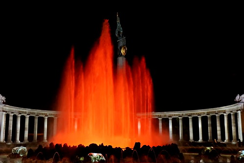 Heldendenkmal der Roten Armee am  Schwarzenbergplatz in Wien