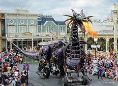 Here comes the clank! (ddindy) Tags: orlando dragon florida disney disneyworld waltdisneyworld magickingdom festivaloffantasyparade festivaloffantasy