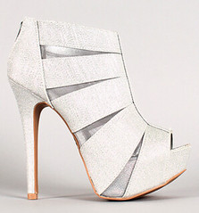 "glitterandmesh-peep-toe-silver • <a style=""font-size:0.8em;"" href=""http://www.flickr.com/photos/64360322@N06/15282395165/"" target=""_blank"">View on Flickr</a>"
