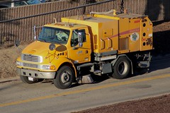 Elgin Sweeper (So Cal Metro) Tags: sweeper streetsweeper elgin broombear sterling lax airport la losangeles