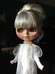 """Under the """"Lucy"""" Dracula get-up. Been seriously wrestling with whether I """"need"""" another silver haired beauty (I want Stella Serendipitous so badly! ) (Painters Life) Tags: doll blythe platinum darkrabbithole takara"""