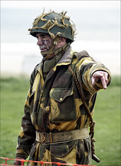 Blyth Battery Goes to War 2016 (Johne_uk) Tags: blyth battery 2016 reenactor army paratrooper beach camouflage nikon d800 80200