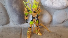 Varathan: (TTV 12 Days of Chiristmas: Day 1) (RaptorTalon) Tags: bionicle hero factory lego moc gold green shiny crossbow spoilers christmas