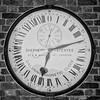 What´s the time? (Tomsch) Tags: schwarzweiss blackwhite bw sw london greenwich royalobservatory uhr wanduhr zeiger uk unitedkingdom england grossbritannien greatbritain obervatory observatorium