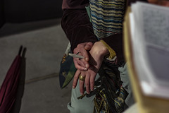 Handling a cigarette with class (sammy_boogeyman) Tags: sigaretta mani hands cigarette style