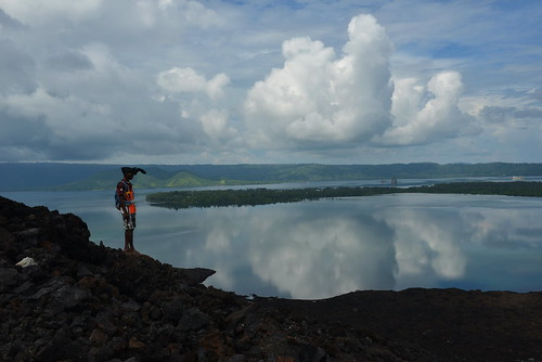 On the way to the peak of the Vulcan in Rabaul, Papua Neuguinea