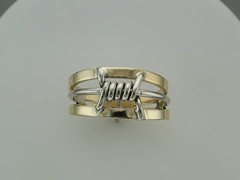 Barbed wire ring-14kt gold-top view