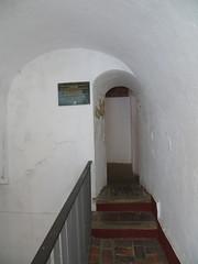 Palacio de las Veletas - pasillo hacia el aljibe (Cceres) (kakov) Tags: cceres aljibe museodecceres palaciodelasveletas