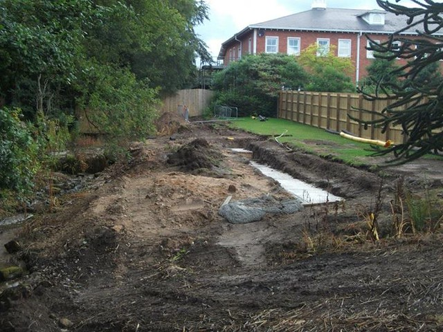 10/08/14 - Work taking place in the Alton Towers Hotel garden.