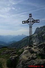 IMG_8458 (Pfluegl) Tags: wallpaper mountain mountains alps salzburg berg austria sterreich free christian berge kreuz alpen android hintergrund pfluegl untersberg gipfel watzmann hochthron gpfelkreuz pflgl