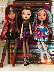 Cerise, Raven e Madeline (Juwo) Tags: high doll jackson queen hood after boneca madeline raven ever cerise hatter percy eah brdolls