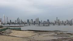 Panama skyline met eb