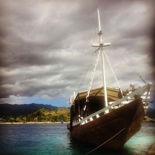 Kapal yang berlabuh di Pulau Kepa #ship #sea # beach #port #clouds #island #kepaisland #pulaukepa #alor #alorNTT #NTT