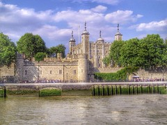 To the Tower (Mr G's pics) Tags: london tower riverthames toweroflondon
