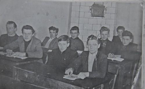 Pierwsi uczniowie ZS im. KOP