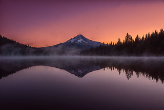 Lake Trillium at Dawn
