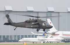 UH-60A 583 (aitch tee) Tags: helicopters visitors walesuk cardiffairport uh60a 024583 natosummit2014 natosummitsecurity