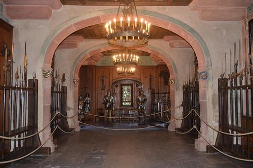 Le château du Haut-Koenigsbourg.La salle d'armes.1