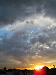 Orbitando (L4nders) Tags: sky naturaleza art sol nature azul arte natural astro cielo nubes nublado artes atmosfera texturas nube ciudaddemexico artista claroscuro ambiente atardeser cielonublado atardeses