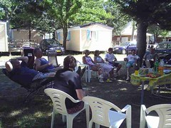 mot-2006-remoulins-pic_0096_jessicas-tea-party-2_800x600