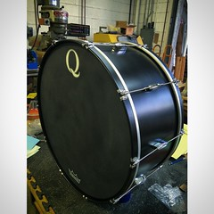 12X26 black satin stain bass drum to be used on an orchestral bass drum stand. You can see this on tour with @derekgtaylor and @hernameisbanks! #qdrumco #derekgtaylor #BANKS #presidential