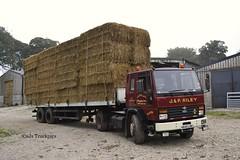 Ford Cargo J&P Riley Hartington Derbyshire (SJS Truckpics) Tags: farmers derbyshire transport lorries classictrucks haulage hartington fordcargo jpriley haystrawmerchants