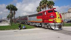 Galveton RR Museum F unit and short train (LnCS) Tags: galveston museum rr f unit atsf